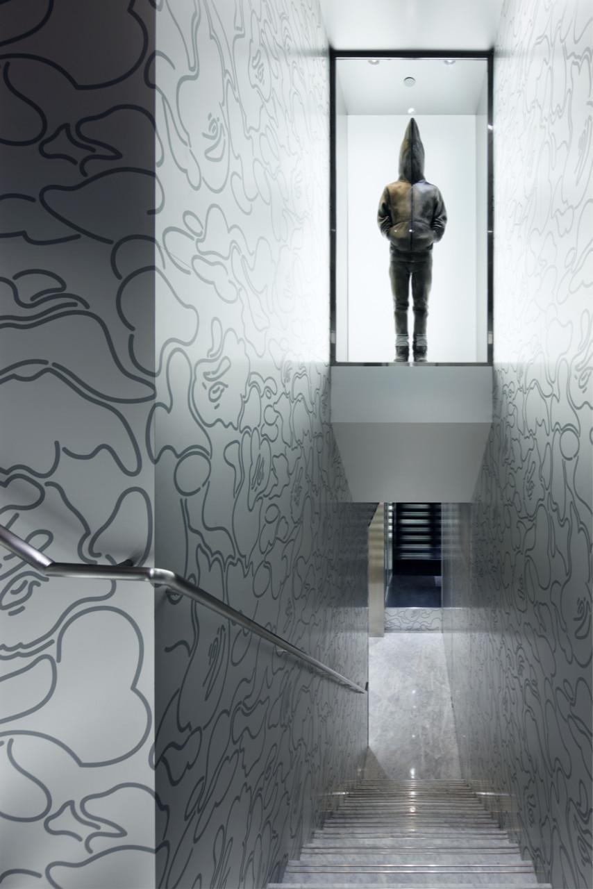 c3b5bf34dbc2 (BAPE STORE® HONG KONG) Stair